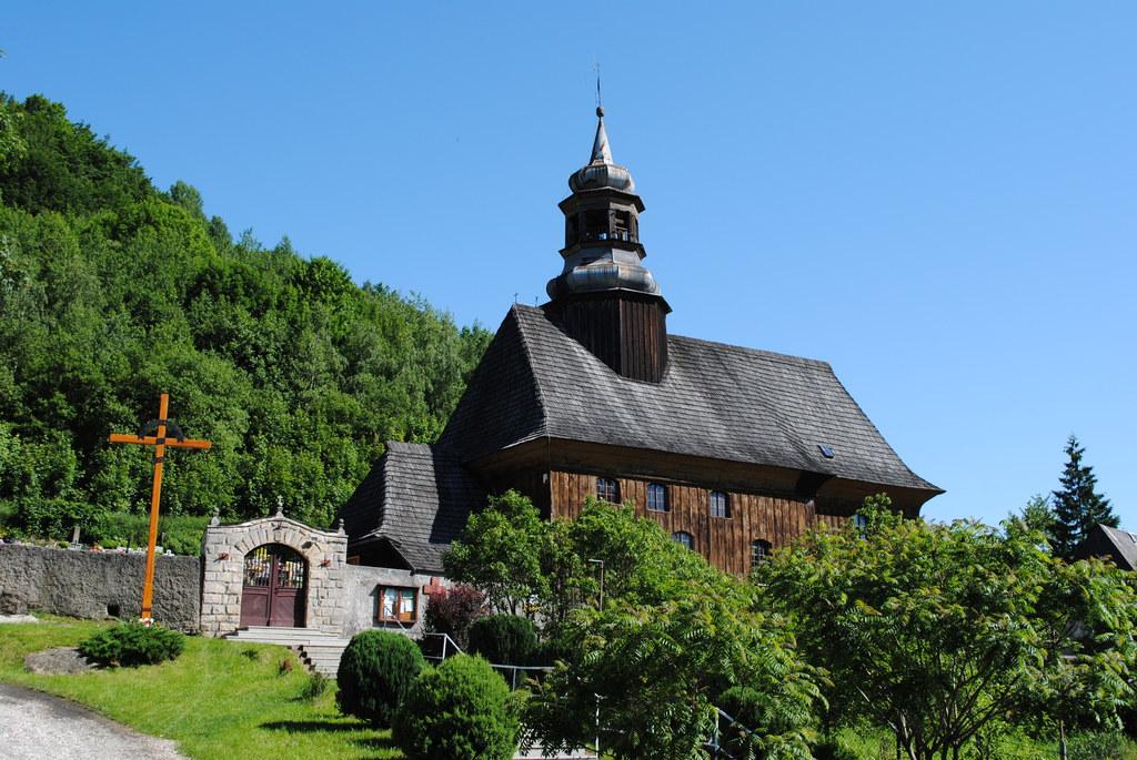 Kościół pw. Wniebowzięcia NMP w Nowej Bystrzycy, fot. Agnieszka Maryniak.jpeg