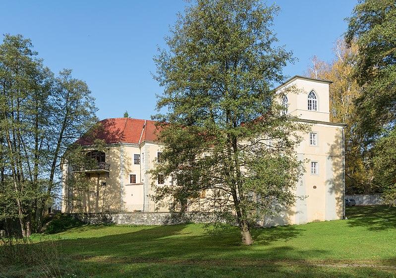 Pałac w Trzebieszowicach.jpeg