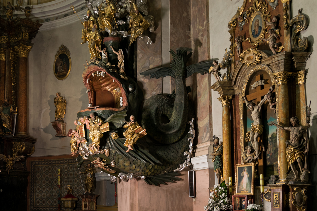 Ambona w kościele pw. śww. Piotra i Pawła w Dusznikach-Zdroju, fot. Szymon Korzuch.jpeg