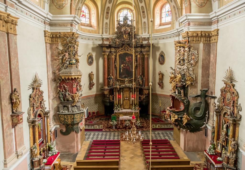 Wnętrze kościoła pw. śww. Piotra i Pawła w Dusznikach-Zdroju, fot. Szymon Korzuch.jpeg