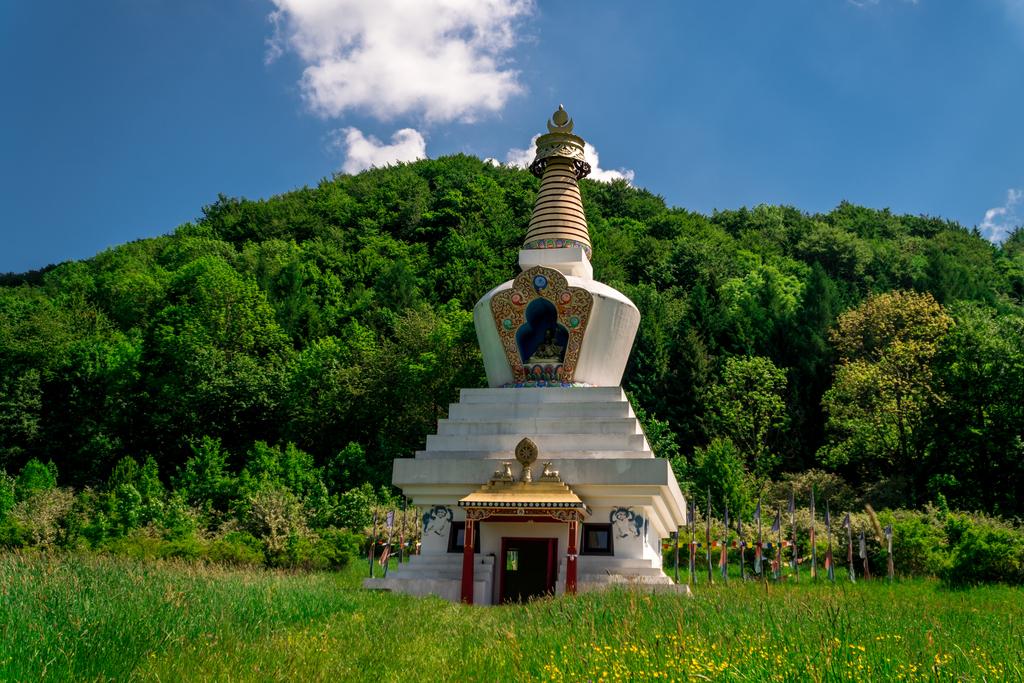 Klasztor-buddyjski.jpeg