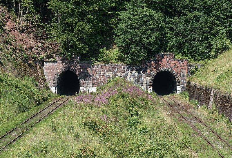 Tunele kolejowe pod Świerkową Kopą.jpeg
